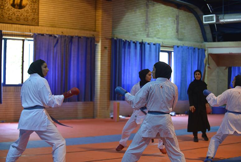 تصویر در تمرینات منظم ملی پوشان کاراته بانوان در کیش